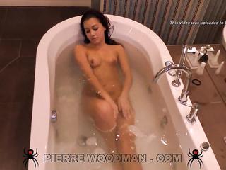Tori noir porno bio chaud transexuelle orgie