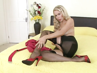 cute heels blonde