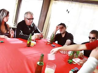 mom poker game